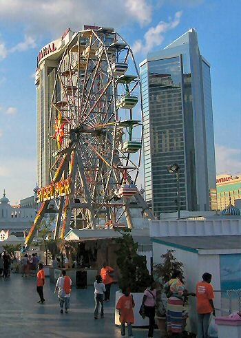 ferris wheel at the steel pier in atlantic city