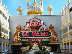 ENTRANCE AT TRUMPS TAJ MAHAL
